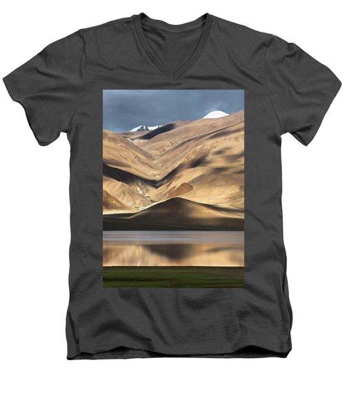 Golden Light Tso Moriri, Karzok, 2006 Men's V-Neck T-Shirt