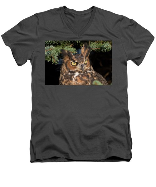 Great Horned Owl 10181802 Men's V-Neck T-Shirt