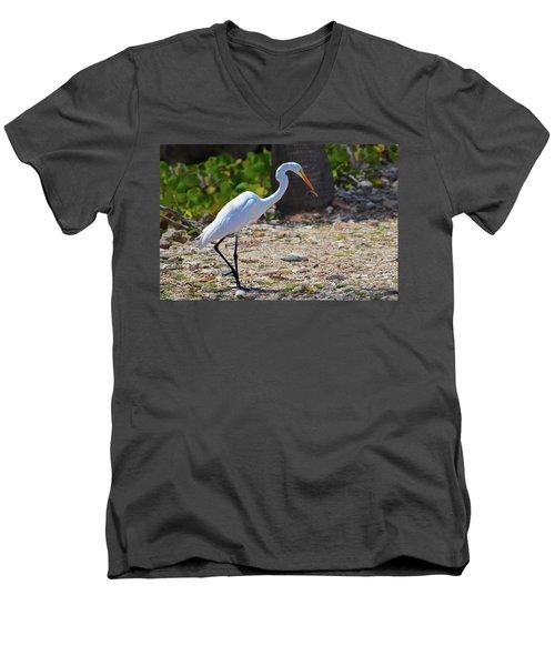 Great White Egret Hunter Men's V-Neck T-Shirt