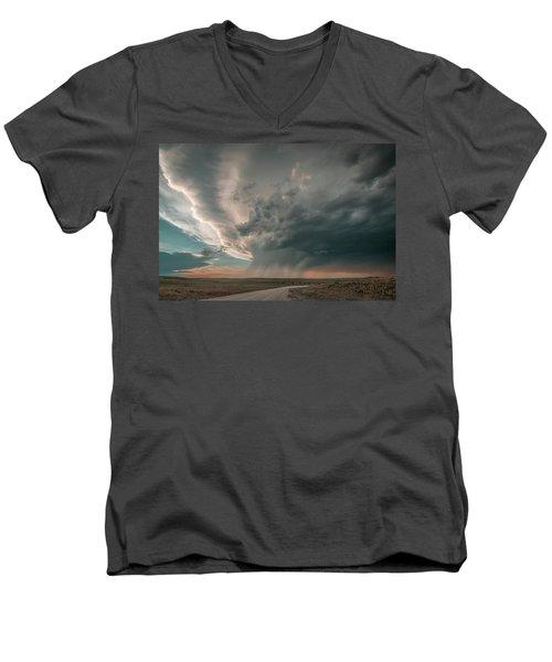 Hay Springs Ne Supercell Men's V-Neck T-Shirt