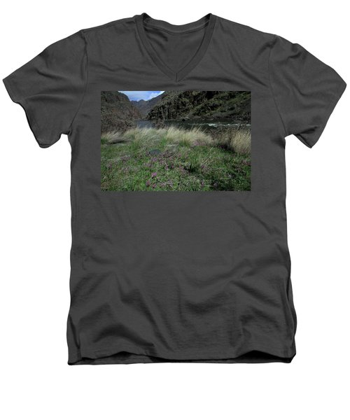 Hells Canyon National Recreation Area Men's V-Neck T-Shirt