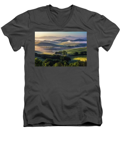 Hilly Tuscany Valley Men's V-Neck T-Shirt