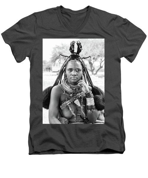 Himba Style Girl Men's V-Neck T-Shirt