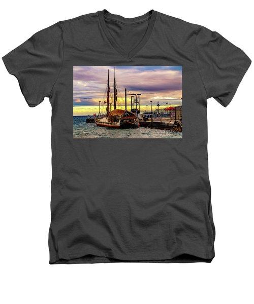 Hokulea Docked Men's V-Neck T-Shirt
