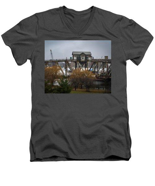 House Bridge Men's V-Neck T-Shirt