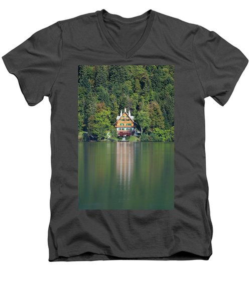 House On The Lake Men's V-Neck T-Shirt