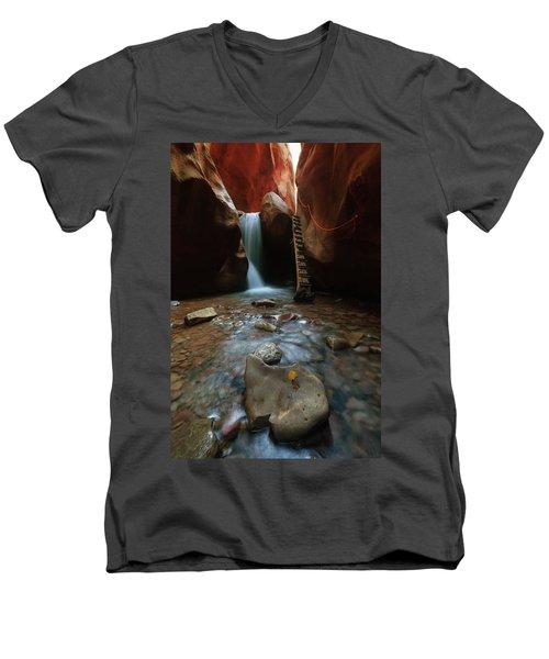 Kanarraville Falls Men's V-Neck T-Shirt