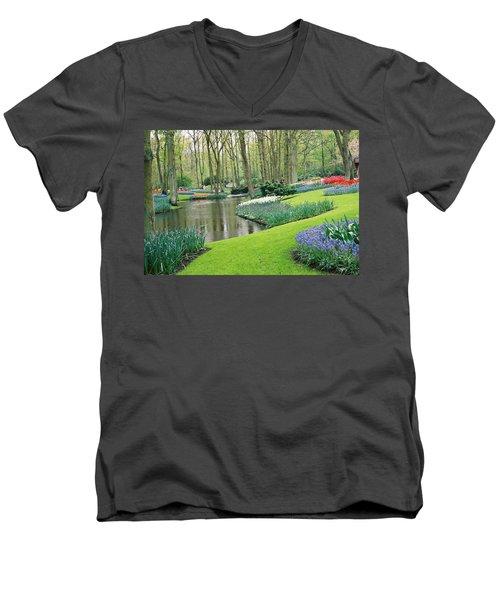 Keukenhof Gardens Men's V-Neck T-Shirt