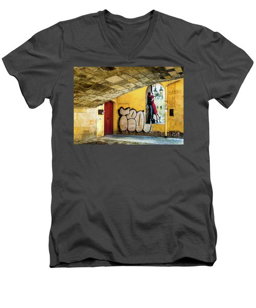 Kissing Under The Bridge Men's V-Neck T-Shirt