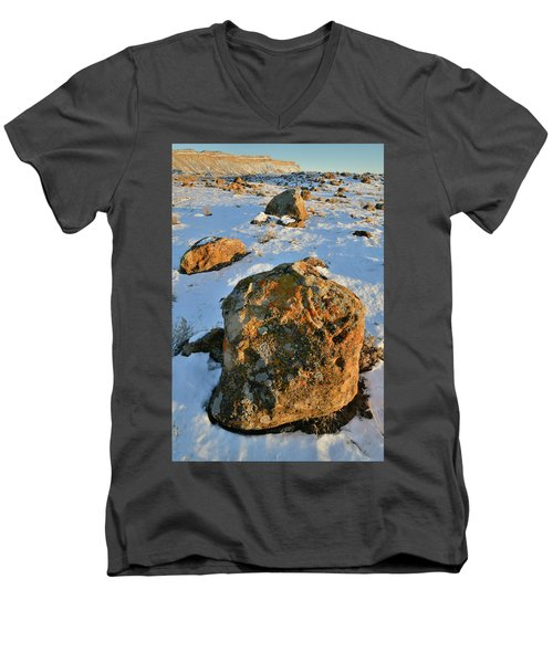 Last Light Of The Day In The Book Cliffs Men's V-Neck T-Shirt