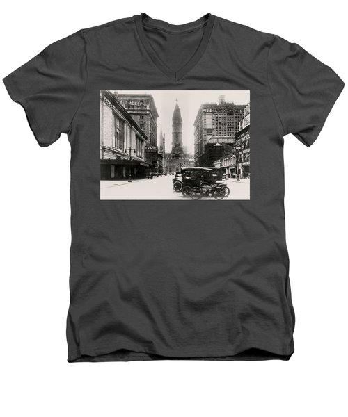 Lyric Theatre Men's V-Neck T-Shirt