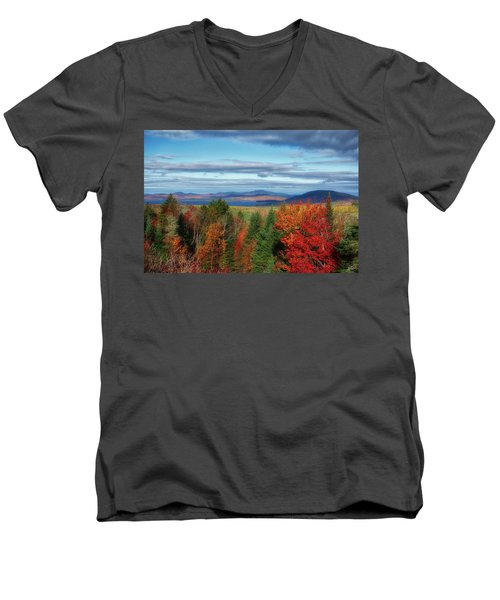 Maine Fall Foliage Men's V-Neck T-Shirt