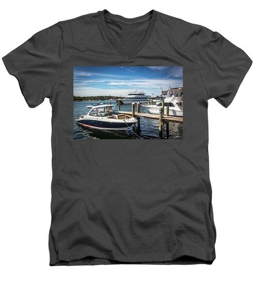 Marthas Vineyard Series 7631 Men's V-Neck T-Shirt