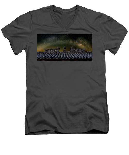 Milky Way Arch Over Chinese Temple Roof Men's V-Neck T-Shirt