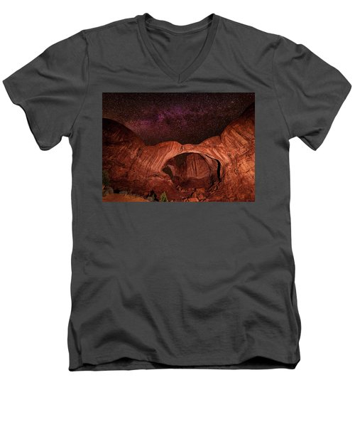 Men's V-Neck T-Shirt featuring the photograph Milky Way Over Double Arch by Andy Crawford