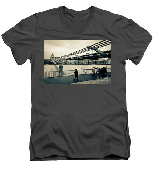 Millennium Bridge 03 Men's V-Neck T-Shirt