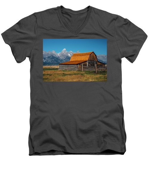 Mormons Barn 3779 Men's V-Neck T-Shirt
