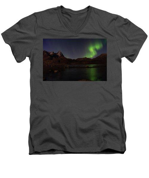 Northern Lights Aurora Borealis In Norway Men's V-Neck T-Shirt