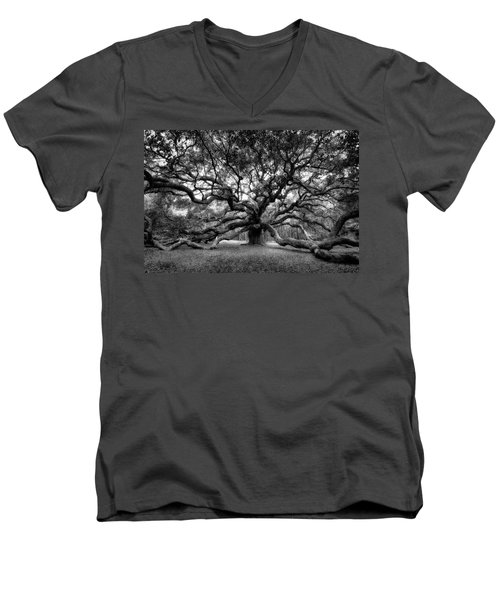 Oak Of The Angels - Bw Men's V-Neck T-Shirt