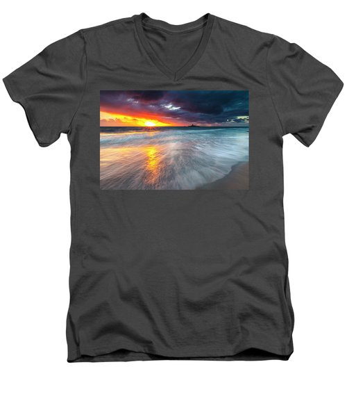 Old Lighthouse Men's V-Neck T-Shirt