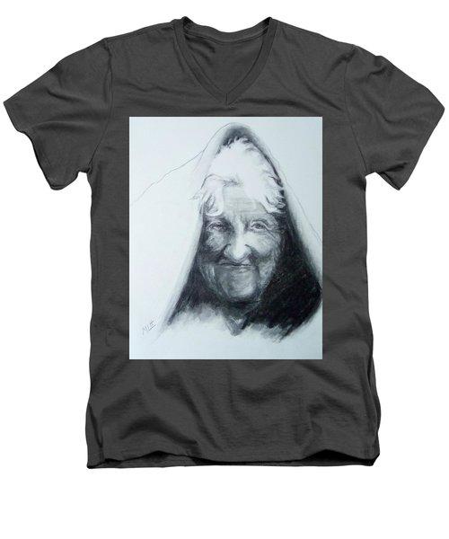 Old Woman Men's V-Neck T-Shirt