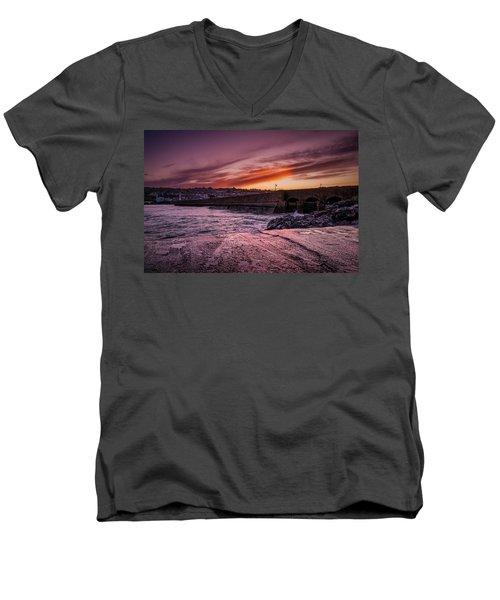 Pier To Pier Sunset Men's V-Neck T-Shirt