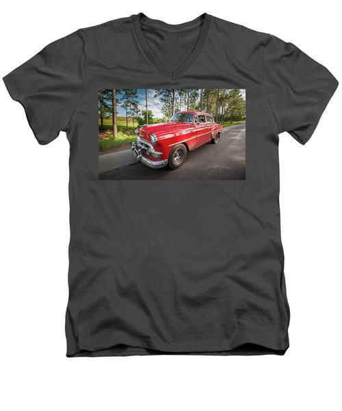 Red Classic Cuban Car Men's V-Neck T-Shirt