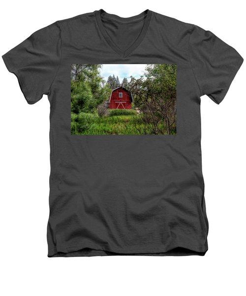 Red House Over Yonder Men's V-Neck T-Shirt