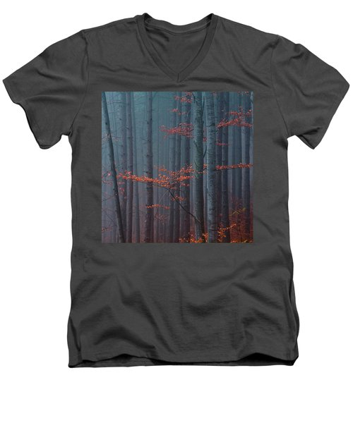 Red Wood Men's V-Neck T-Shirt