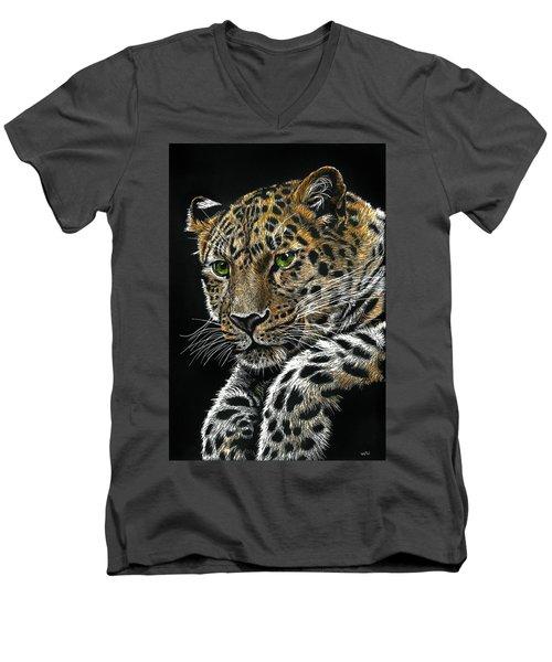 Resting Leopard Men's V-Neck T-Shirt