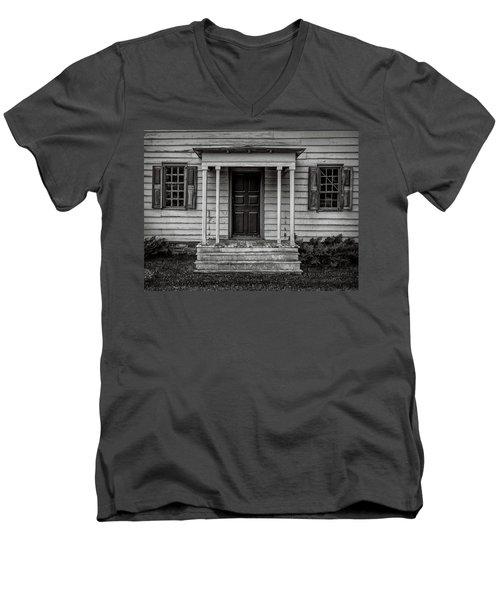 Rockingham Porch Men's V-Neck T-Shirt