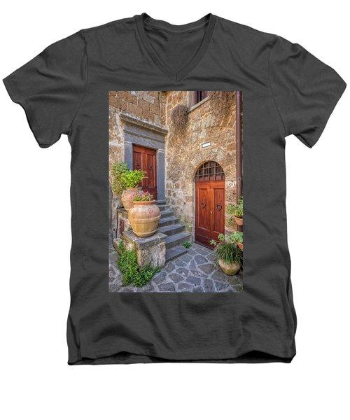 Romantic Courtyard Of Tuscany Men's V-Neck T-Shirt