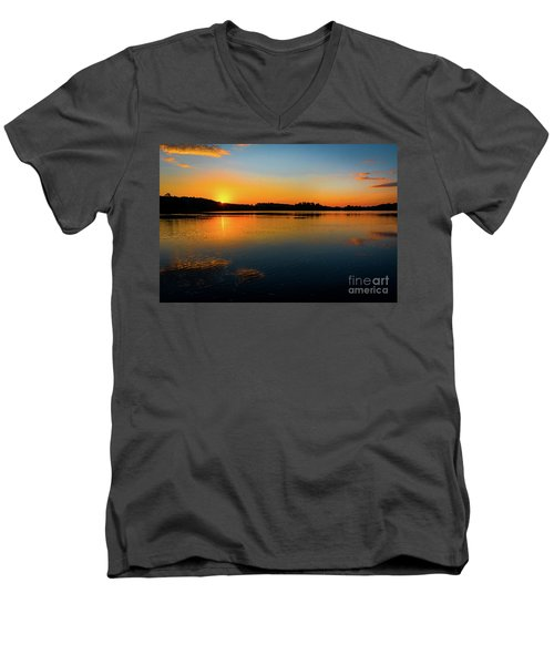 Savannah River Sunrise - Augusta Ga Men's V-Neck T-Shirt