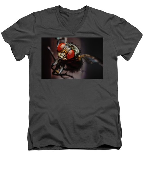 Scavenger Close-up Men's V-Neck T-Shirt
