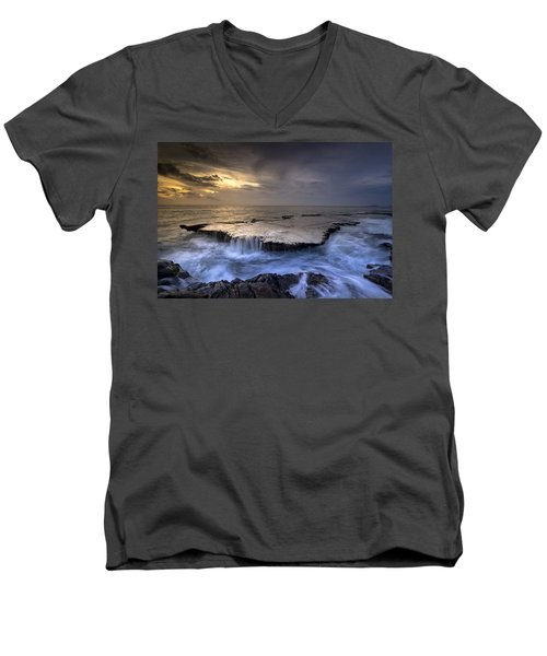 Sea Waterfalls Men's V-Neck T-Shirt