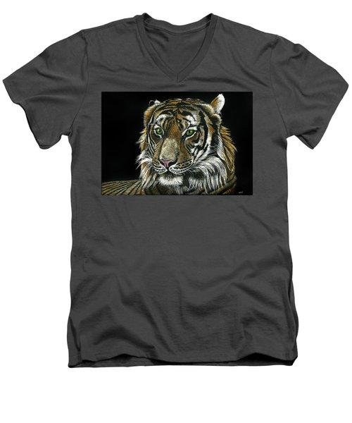 Seated Tiger Men's V-Neck T-Shirt