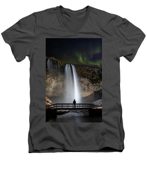 Seljalandsfoss Northern Lights Silhouette Men's V-Neck T-Shirt