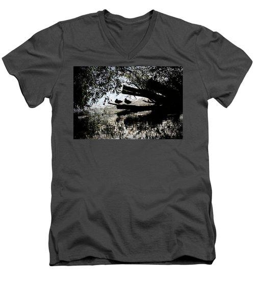 Silhouette Ducks #h9 Men's V-Neck T-Shirt