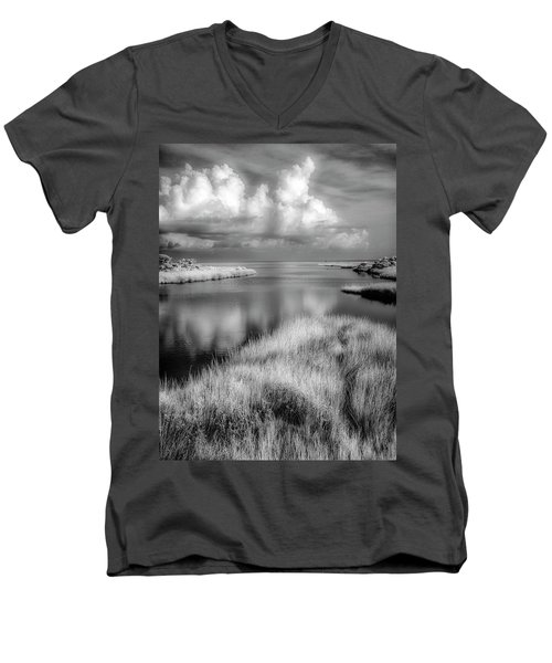 Smooth Waters Bw Men's V-Neck T-Shirt