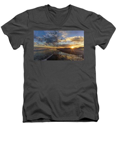 Star Point Men's V-Neck T-Shirt