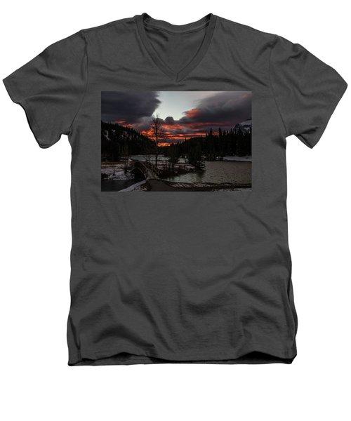 Sunrise Over Cascade Ponds, Banff National Park, Alberta, Canada Men's V-Neck T-Shirt