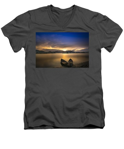 Sunset On The Lake Men's V-Neck T-Shirt
