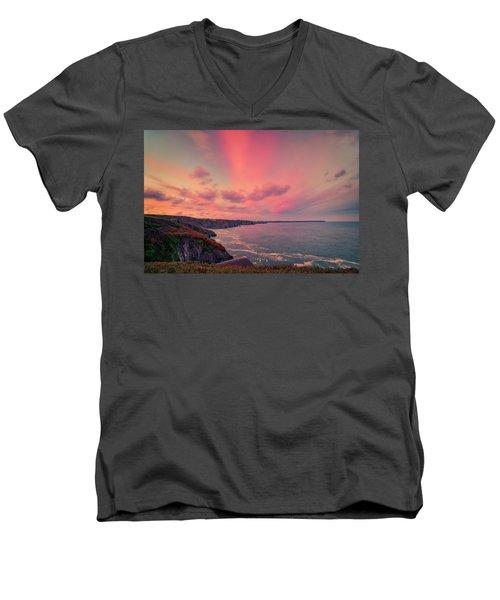 The Lizard Point Sunset Men's V-Neck T-Shirt