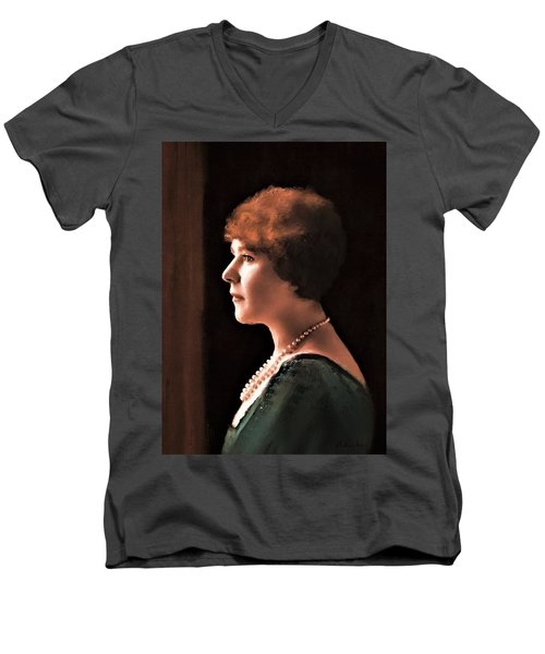 The Pearl Necklace Men's V-Neck T-Shirt