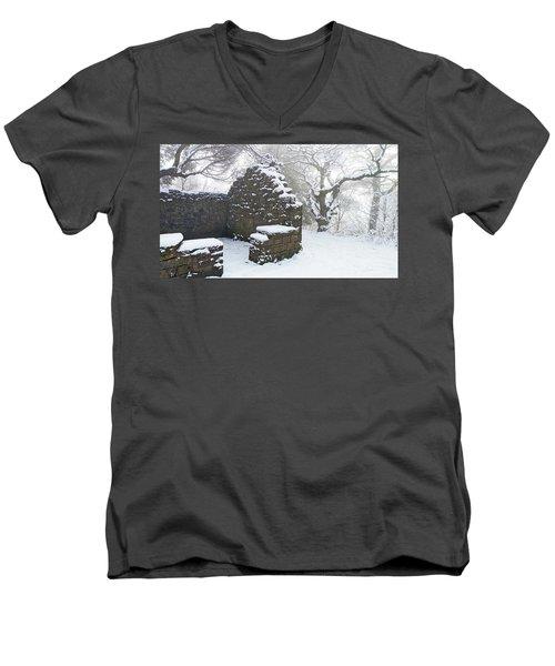 The Ruined Bothy Men's V-Neck T-Shirt