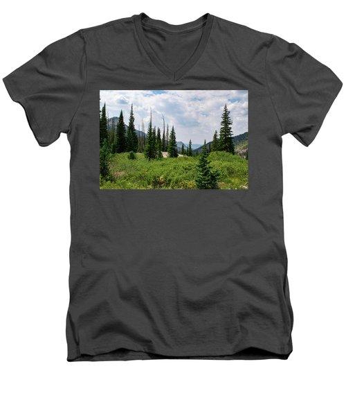 Trail To Gilpin Lake Men's V-Neck T-Shirt