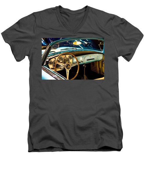 Vintage Blue Car Men's V-Neck T-Shirt