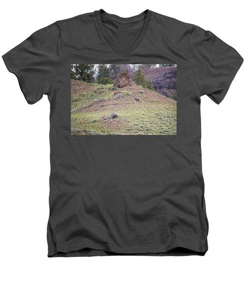 W22 Men's V-Neck T-Shirt