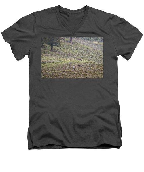 W25 Men's V-Neck T-Shirt