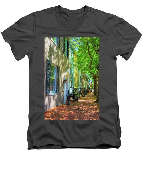 Walking On Duke Street Men's V-Neck T-Shirt
